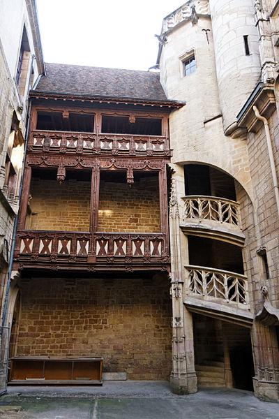 Photo du Monument Historique Hôtel Chambellan  dénommé également hôtel des ambassadeurs d'Angleterre situé à Dijon