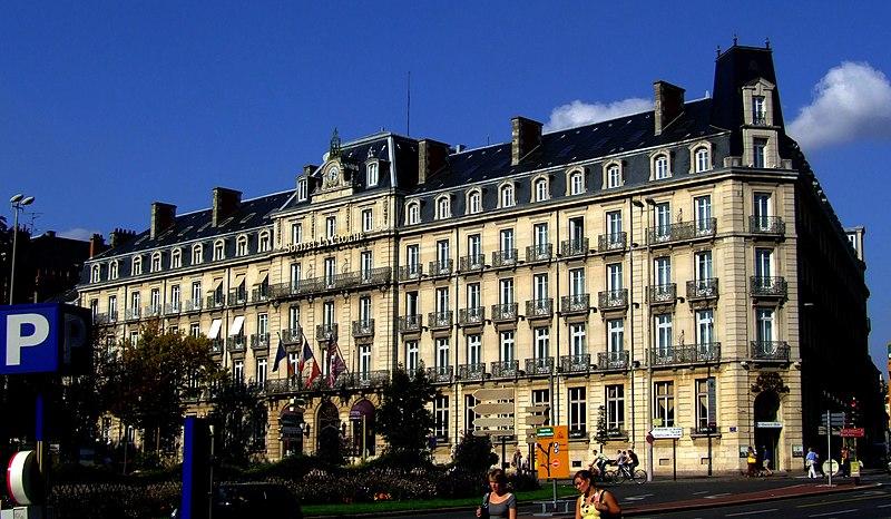 Photo du Monument Historique Hôtel de la Cloche situé à Dijon