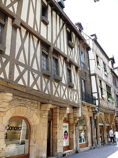 Photo du Monument Historique Hôtel de la Croix-de-Fer situé à Dijon