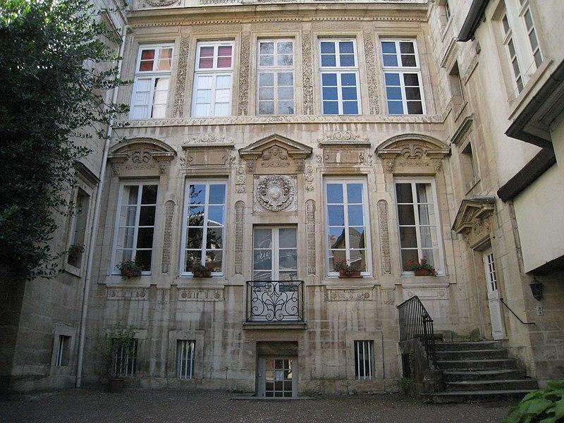 Photo du Monument Historique Hôtel Fyot situé à Dijon