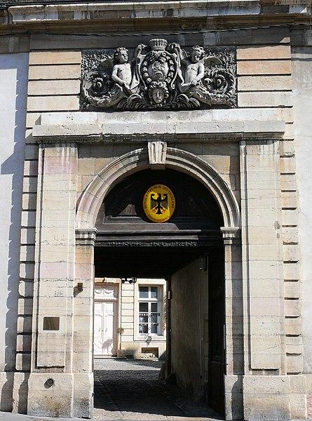 Photo du Monument Historique Hôtel Grasset situé à Dijon