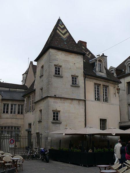 Photo du Monument Historique Hôtel Jacqueron situé à Dijon
