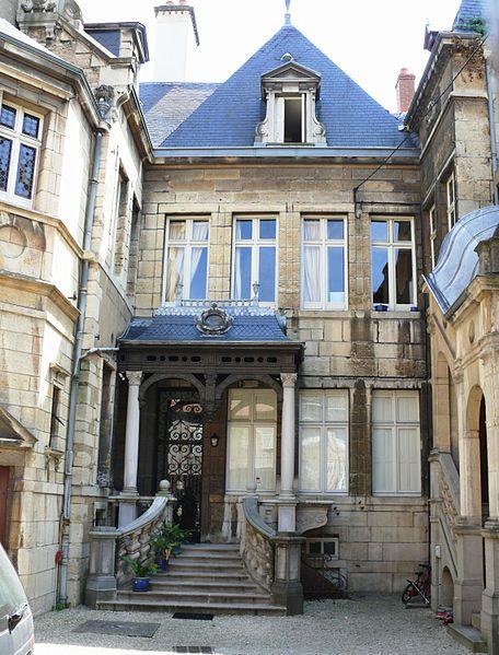 Photo du Monument Historique Hôtel de Laloge situé à Dijon