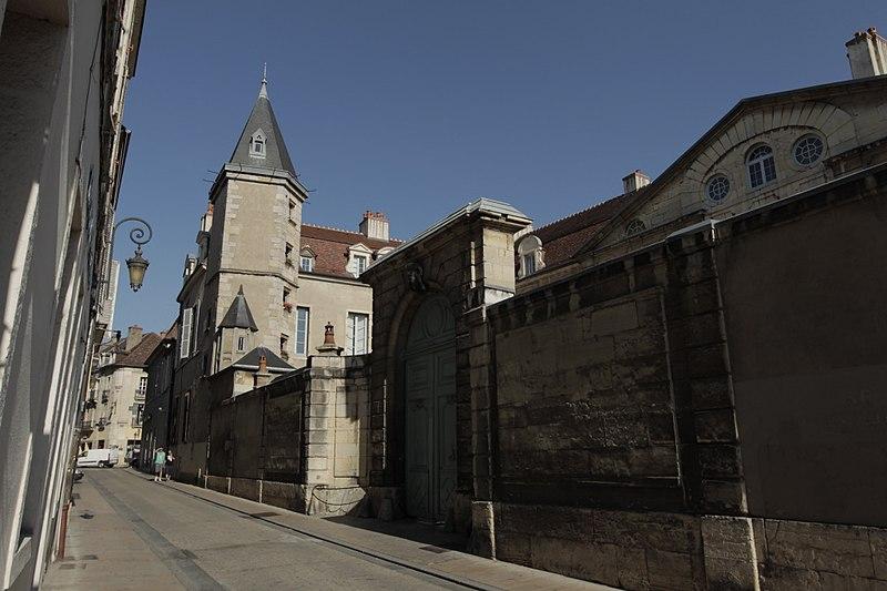 Photo du Monument Historique Hôtel de Sassenay situé à Dijon