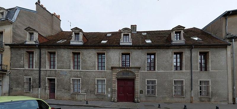 Photo du Monument Historique Hôtel de Saulx situé à Dijon