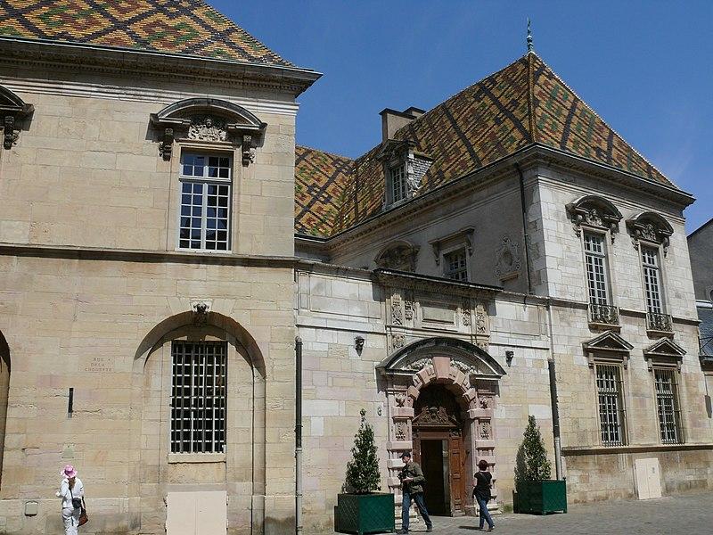 Photo du Monument Historique Hôtel de Vogüé situé à Dijon