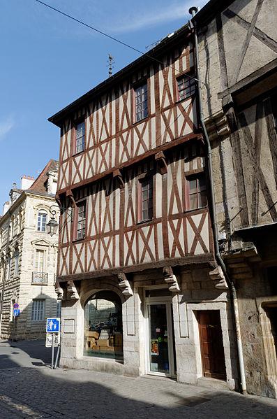 Photo du Monument Historique Maison du 15e siècle situé à Dijon