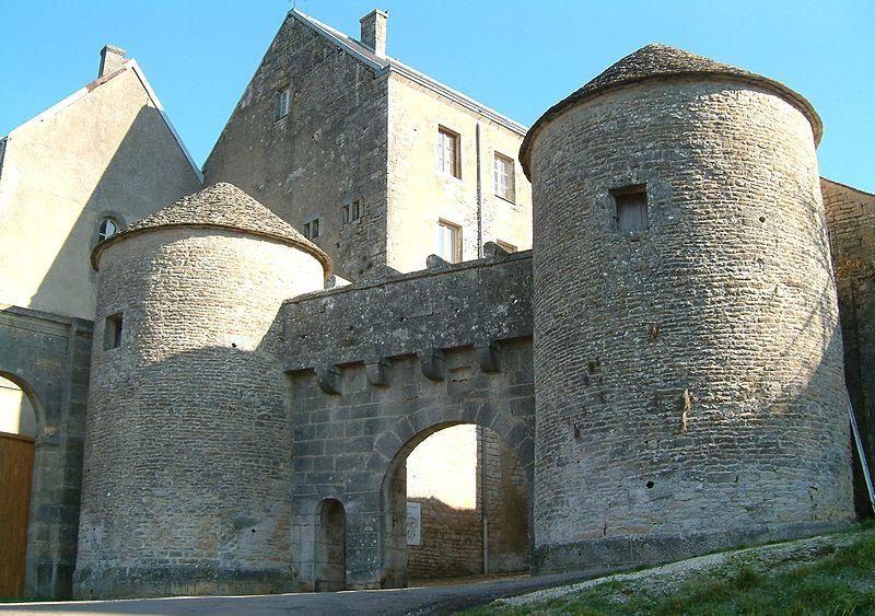 Photo du Monument Historique Portes de la ville situé à Flavigny-sur-Ozerain