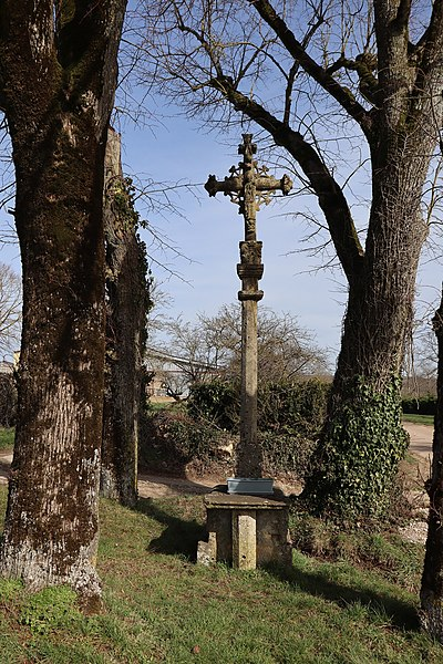 Photo du Monument Historique Croix situé à Frôlois