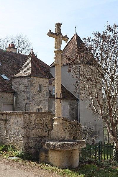 Photo du Monument Historique Croix situé à Hauteroche