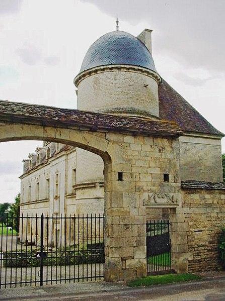 Photo du Monument Historique Château situé à Jours-lès-Baigneux