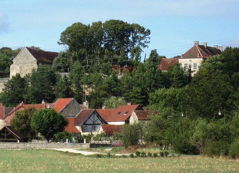 Photo du Monument Historique Château situé à Larrey