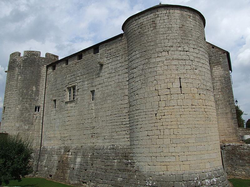 Photo du Monument Historique Château situé à Mont-Saint-Jean