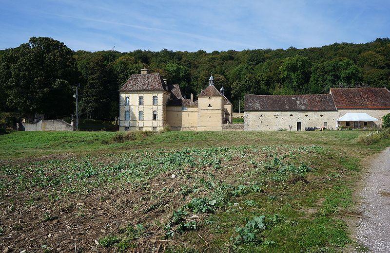 Photo du Monument Historique Domaine du château d'Entre-Deux-Monts situé à Nuits-Saint-Georges