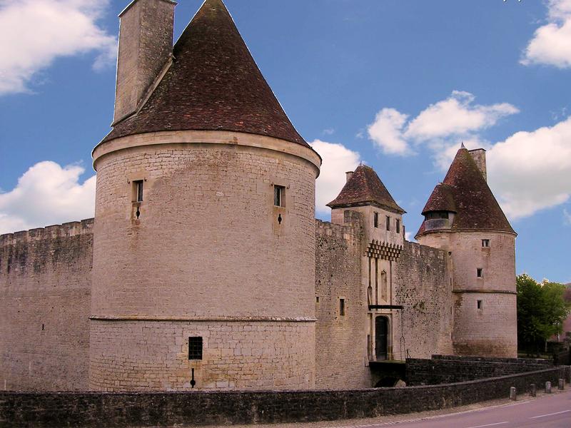 Photo du Monument Historique Château situé à Posanges