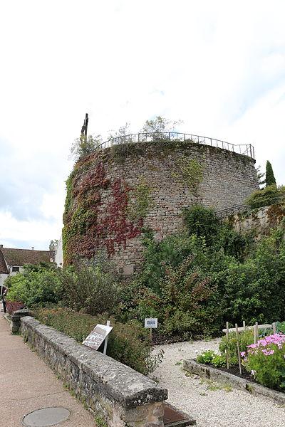 Photo du Monument Historique Tour d'Auxois situé à Saulieu