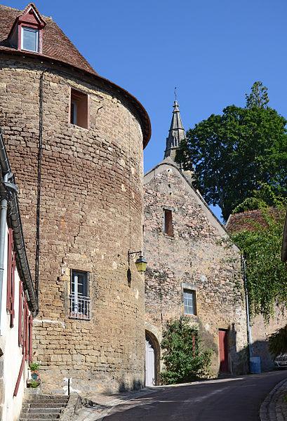 Photo du Monument Historique Tour (vieille) situé à Semur-en-Auxois
