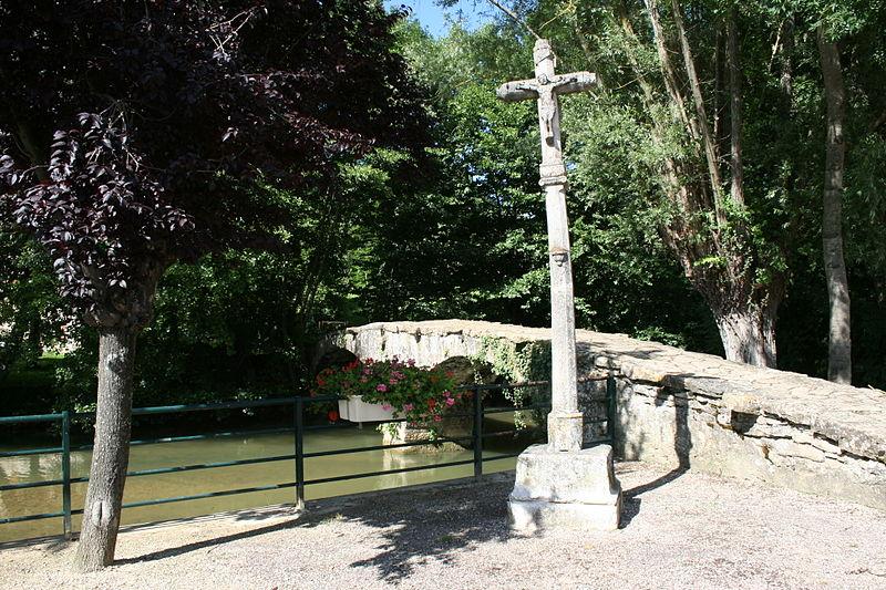 Photo du Monument Historique Pont sur l'Oze situé à Venarey-les-Laumes