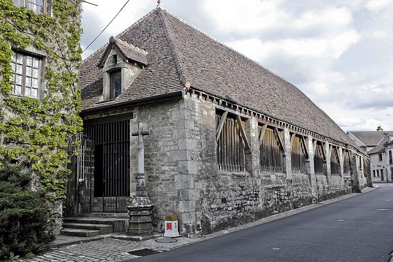 Photo du Monument Historique Halles situé à Vitteaux