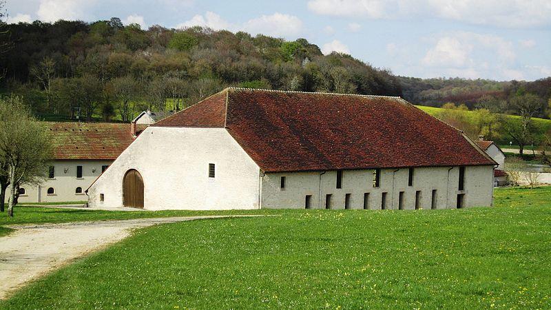 Photo du Monument Historique Grange cistercienne de Beaumont situé à Riel-les-Eaux