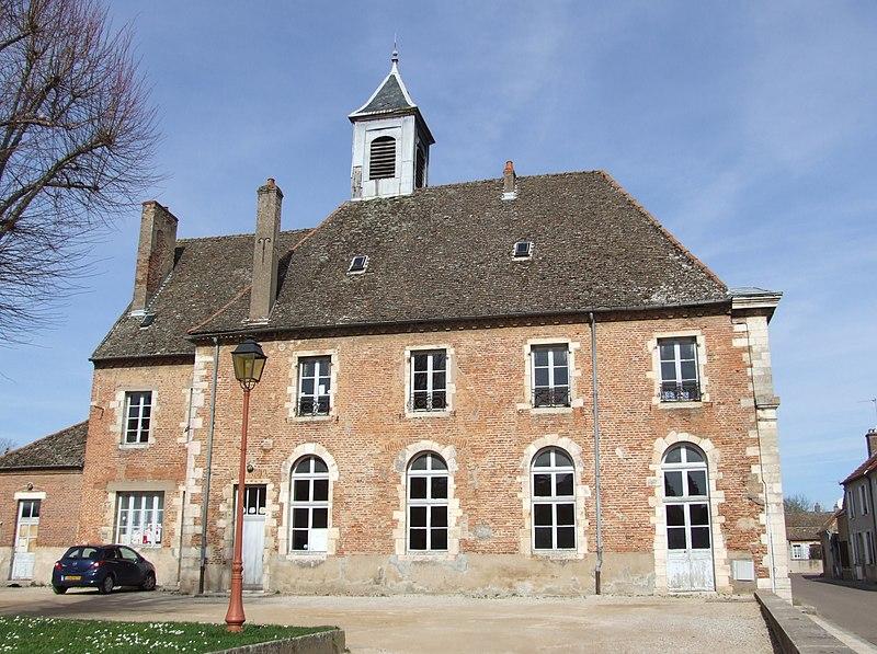 Photo du Monument Historique Couvent des Ursulines situé à Seurre