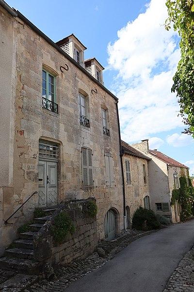 Photo du Monument Historique Maison situé à Flavigny-sur-Ozerain