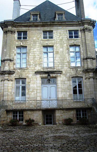 Photo du Monument Historique Hôtel de Clermont-Tonnerre (ancienne chapelle des Ursulines) situé à Châtillon-sur-Seine