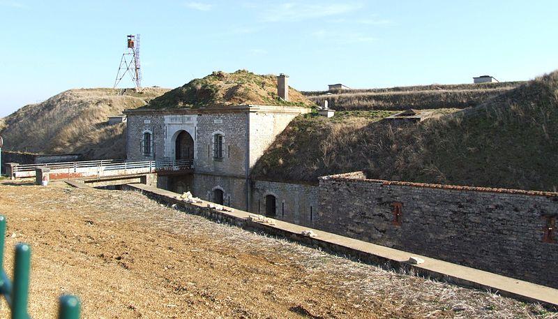 Photo du Monument Historique Fort de Beauregard (également sur commune de Longvic) situé à Fénay