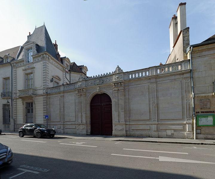 Photo du Monument Historique Hôtel de Saint-Seine situé à Dijon