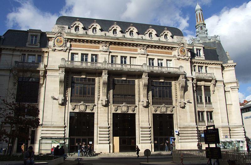 Photo du Monument Historique Hôtel des Postes situé à Dijon