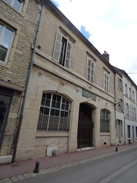 Photo du Monument Historique Ancienne chambre de Commerce de Beaune du XIXe siècle situé à Beaune