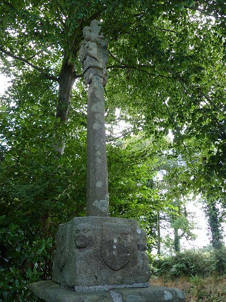 Photo du Monument Historique Croix Saint-Yves situé à Boqueho
