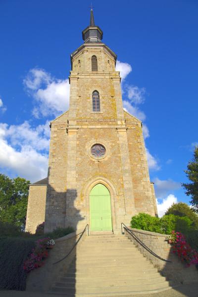 Photo du Monument Historique Eglise Saint-Nicodème situé à Bourseul