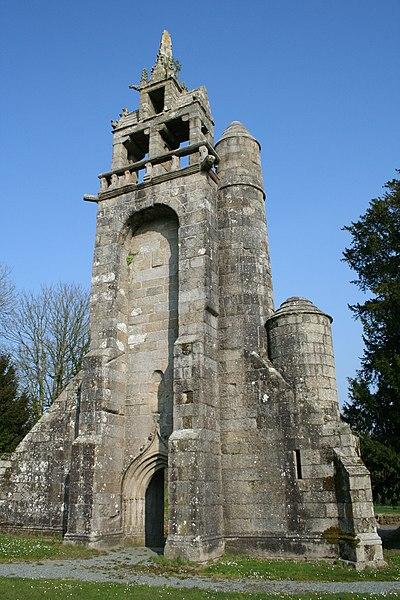Photo du Monument Historique Restes de l'église Notre-Dame de Botmel situé à Callac