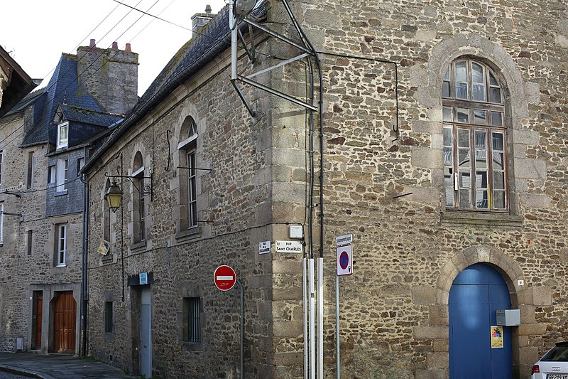 Photo du Monument Historique Ancien couvent des Ursulines situé à Dinan
