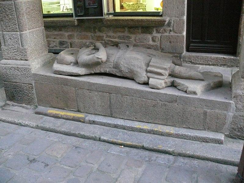 Photo du Monument Historique Maison dite du Gisant situé à Dinan