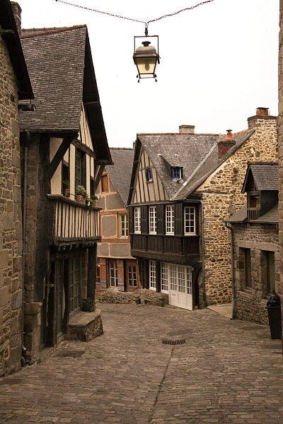 Photo du Monument Historique Deux maisons situé à Dinan
