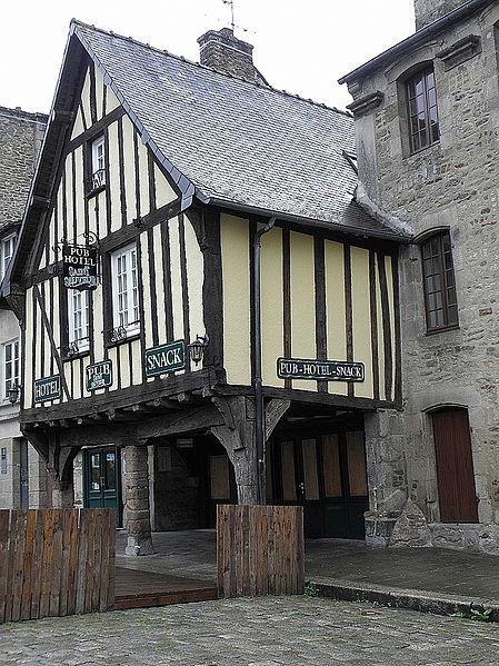 Photo du Monument Historique Immeuble situé à Dinan