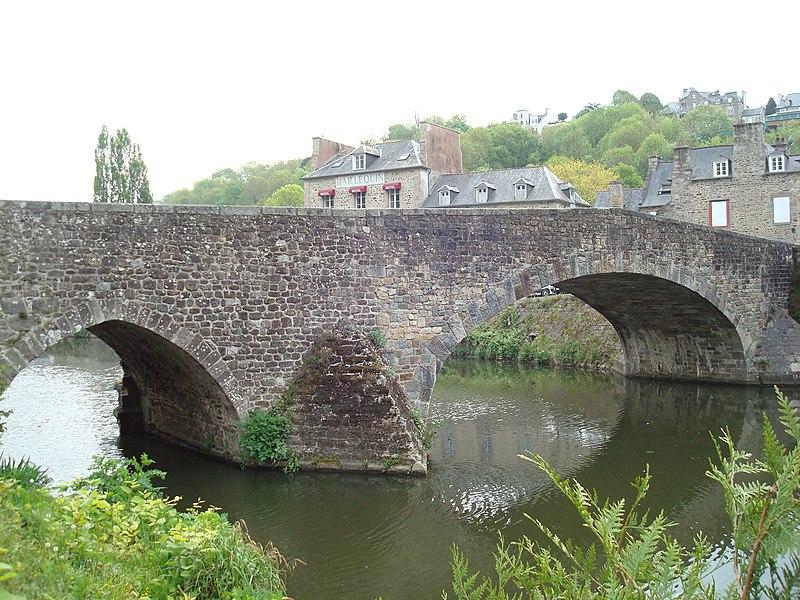 Photo du Monument Historique Vieux pont situé à Dinan