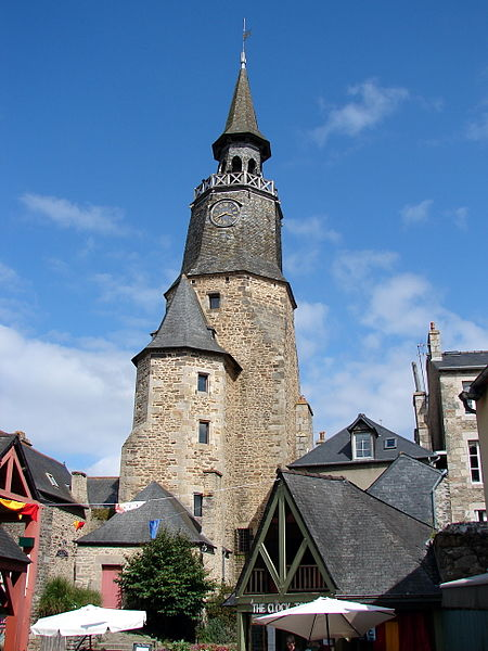Photo du Monument Historique Tour de l'Horloge situé à Dinan