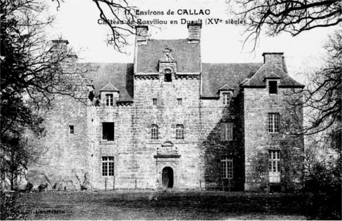 Photo du Monument Historique Château de Rosvilliou situé à Duault