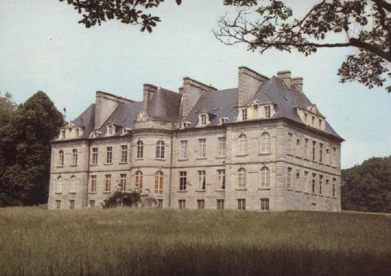 Photo du Monument Historique Château de Robien situé à Le Foeil