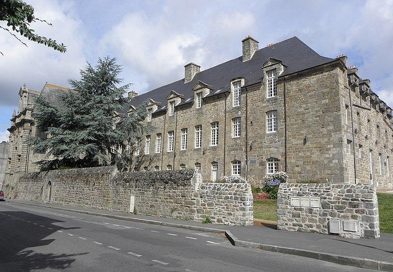 Photo du Monument Historique Couvent des Ursulines situé à Guingamp