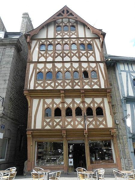 Photo du Monument Historique Maison du 16e siècle situé à Guingamp