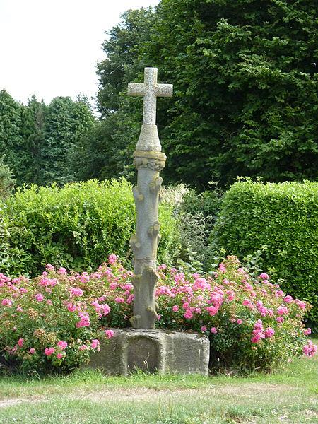 Photo du Monument Historique Croix situé à Le Haut-Corlay