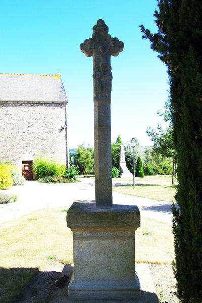 Photo du Monument Historique Croix en granit du 15e siècle situé à Hénansal