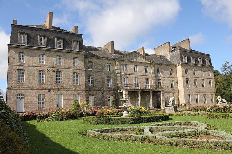 Photo du Monument Historique Château de Lorges situé à L'Hermitage-Lorge