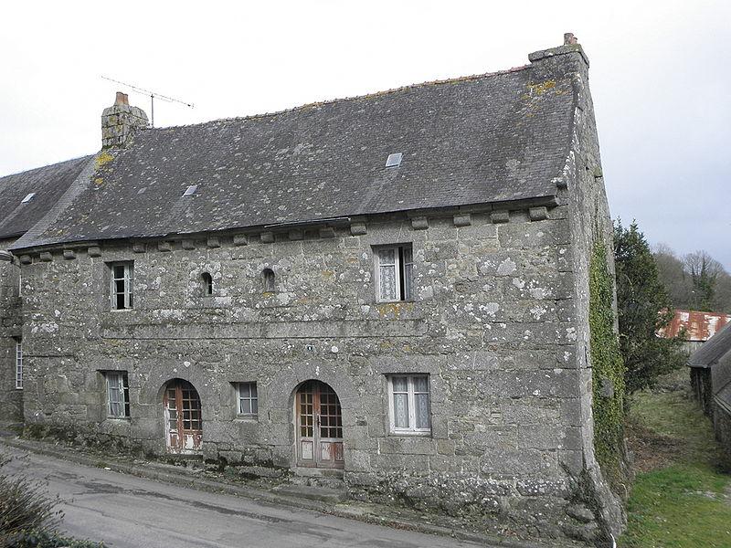 Photo du Monument Historique Ancienne maison situé à Kergrist-Moëlou