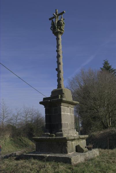Photo du Monument Historique Calvaire du village de Kerlégan situé à Kerien