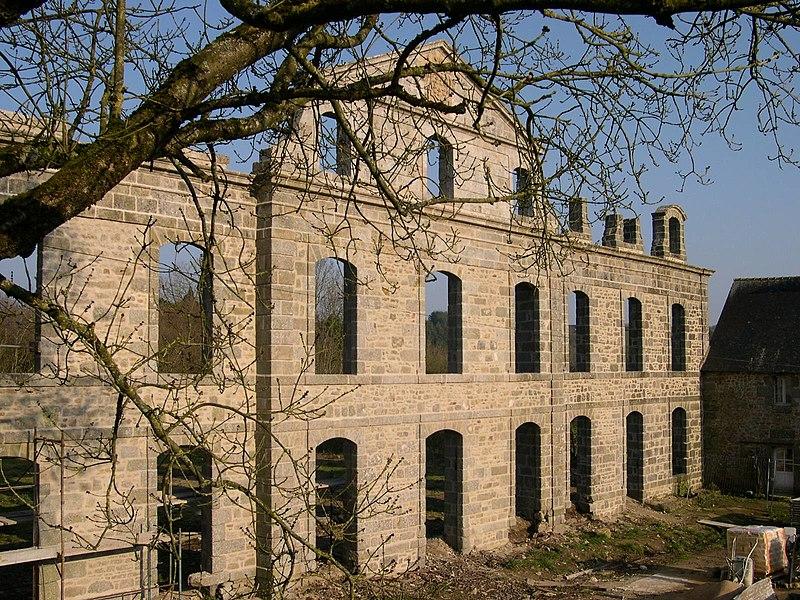 Photo du Monument Historique Abbaye de Coatmalouen situé à Kerpert